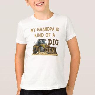 Camiseta Meu vovô é tipo de um negócio da ESCAVAÇÃO