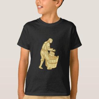 Camiseta Miller medieval com desenho do balde