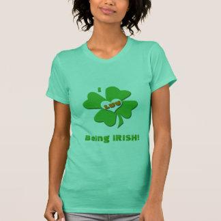 Camiseta Mim Luv que é t-shirt irlandês