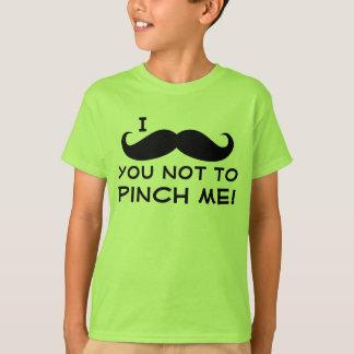 Camiseta Mim o dia do St Patrick do miúdo do bigode você