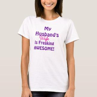 Camiseta Minha esposa dos maridos é Freaking impressionante