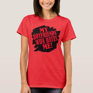 Camiseta Minha esposa dos namorados deia-me -- T-shirt