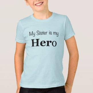 Camiseta Minha irmã do miúdo é meu t-shirt do herói