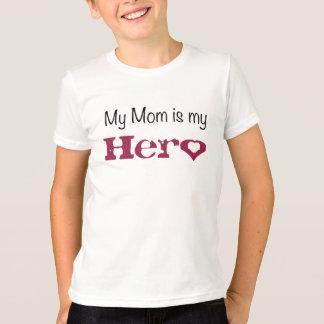 Camiseta Minha mamã do miúdo é meu herói com um coração