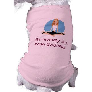 """Camiseta """"Minha mamãe é camisa do cachorrinho de uma deusa"""