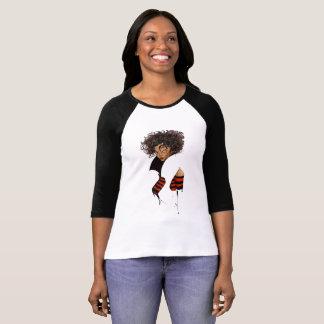 Camiseta Modelo afro encantador e bonito