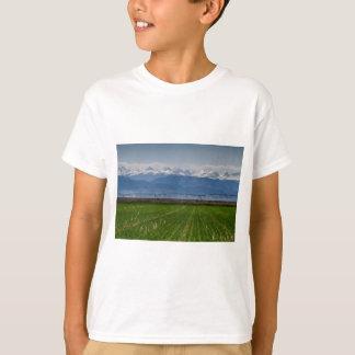 Camiseta Montanha rochosa que cultiva a vista