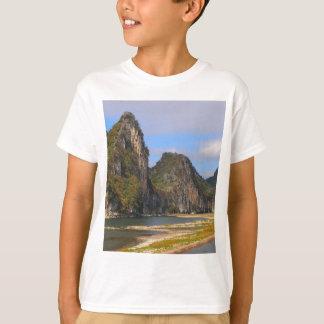 Camiseta Montanhas ao longo do rio de Li, China