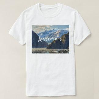 Camiseta Montanhas da aventura e foto exterior do rio