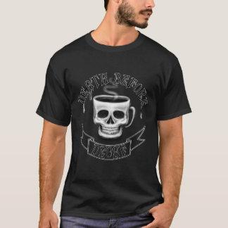 Camiseta morte antes dos amantes do café do copo do crânio