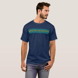 Camiseta Motim na terra da nave espacial