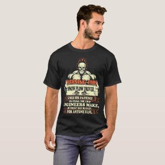 Camiseta Motorista de advertência do arado de neve que usa