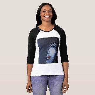 Camiseta Mulher misteriosa