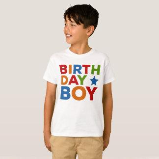 Camiseta Multi do menino do aniversário colorido
