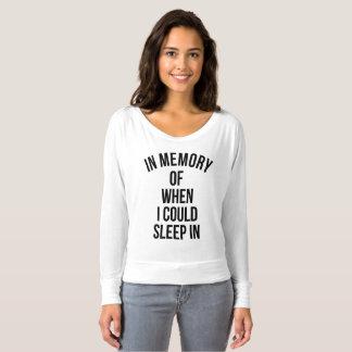 Camiseta Na memória de quando eu poderia dormir dentro