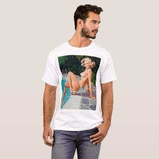 "Camiseta Na menina retro loura ""sexy"" do pinup da piscina"