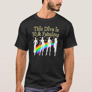 Camiseta NA MODA 30 E DESIGN FABULOSO do aniversário de 30