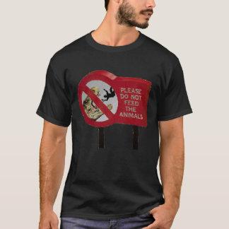 Camiseta Não alimente o dinossauro