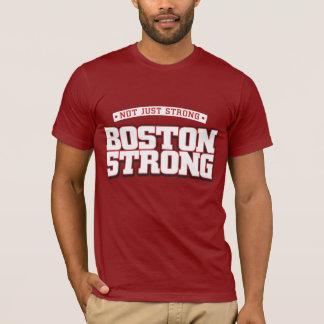 Camiseta Não apenas forte. Boston forte