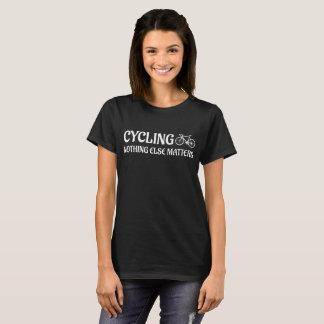 Camiseta Não dando um ciclo nada t-shirt outro do cavaleiro
