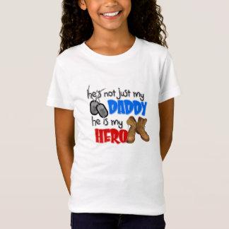 Camiseta Não é apenas meu pai que é meu herói
