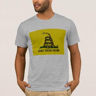 Camiseta não faz - a passo-em-me-gadsden-bandeira