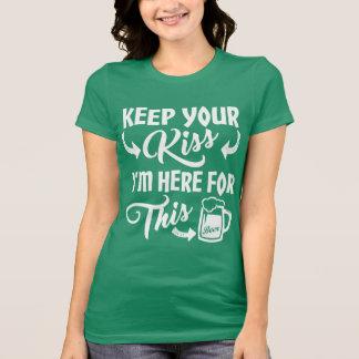 Camiseta Não me beije que eu sou aqui para a cerveja