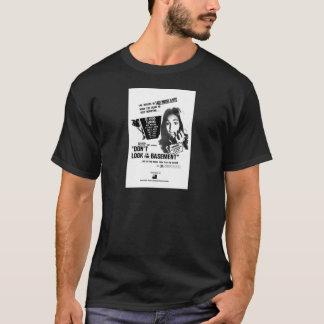 Camiseta Não olhe no porão