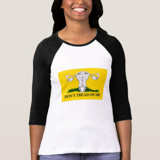 Camiseta Não pise em meu útero - o amarelo -