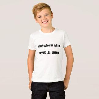 Camiseta napping todo o verão em que a escola está para