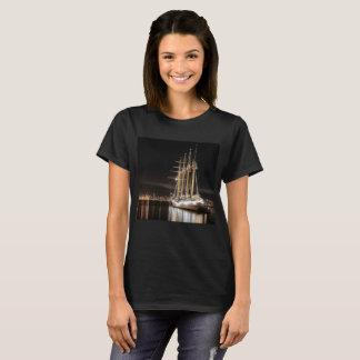 Camiseta Navio de navigação no cais