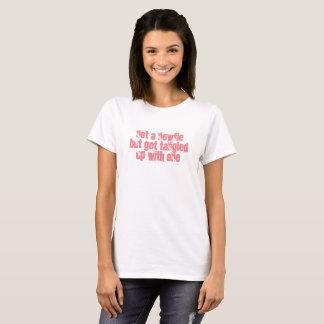 Camiseta Nenhum um Newfie mas obtem Tangled acima com um -