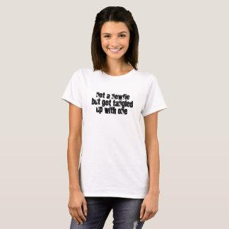 Camiseta Nenhum um Newfie - mas obtêm Tangled acima com um