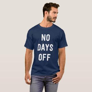 Camiseta Nenhum workaholic engraçado dos dias livres