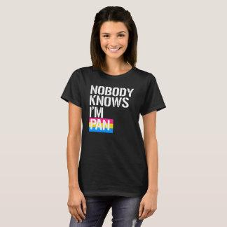 Camiseta Ninguém sabe que eu sou bandeja - - LGBTQ