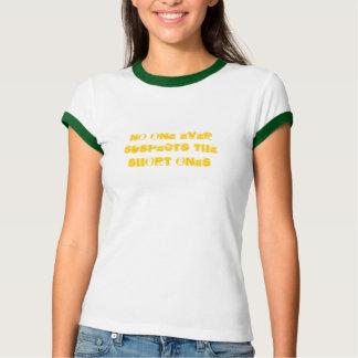 Camiseta Ninguém suspeita nunca curtos