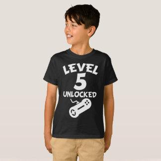 Camiseta Nível 5 destravado aniversário do video games 5o