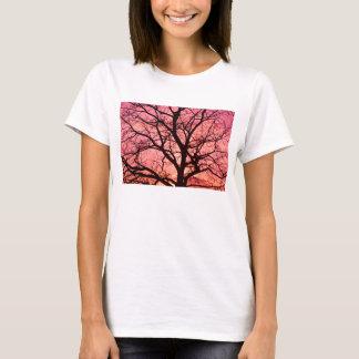 Camiseta Nivelar cora silhueta da árvore