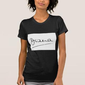 Camiseta No.34 a assinatura da princesa Diana.