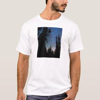 Camiseta Noite da floresta da montanha rochosa