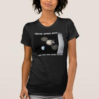 Camiseta Nós estamos indo para trás à lua