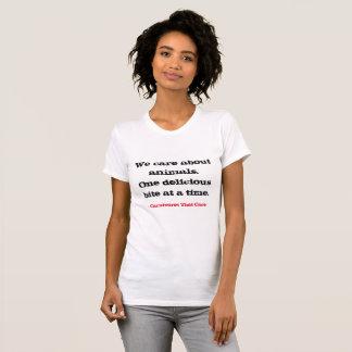Camiseta Nós importamo-nos com animais