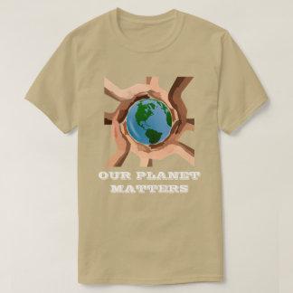 Camiseta Nosso planeta importa t-shirt