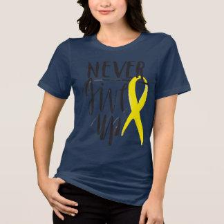 Camiseta NUNCA DÊ ACIMA Bella+T-shirt das canvas