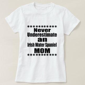 Camiseta Nunca subestime a mamã do Spaniel de água