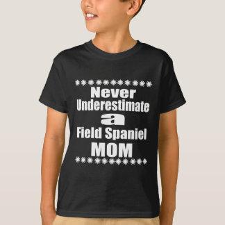 Camiseta Nunca subestime a mamã do Spaniel de campo
