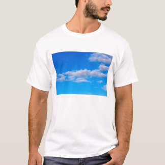 Camiseta nuvens de cumulus sobre o Antarctic ocidental