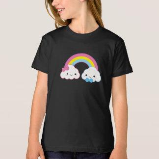 Camiseta Nuvens do casal de Kawaii com arco-íris