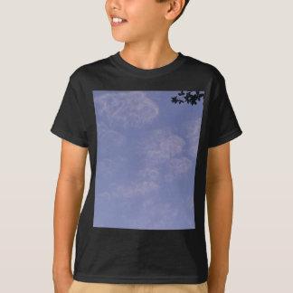 Camiseta Nuvens estranhas 1