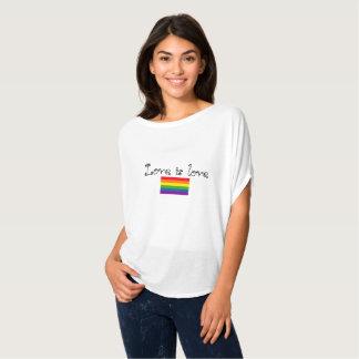 Camiseta O amor é amor é amor